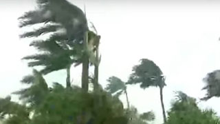 'Catastrophic' Dorianevacuates  pounds Bahamas, US coast