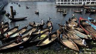 বুড়িগঙ্গার তিন খেয়াঘাট বন্ধ : ধ্বংসের মুখে কেরানীগঞ্জের গার্মেন্টপল্লী