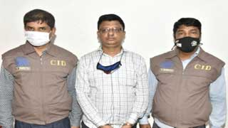 Man impersonating IGP for 'illegal benefits' arrested in Dhaka