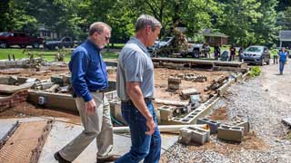 21 killed in flooding in US state of Tennessee