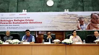 'রোহিঙ্গা সংকট নিরসন না হলে হুমকিতে পড়বে বাংলাদেশ'
