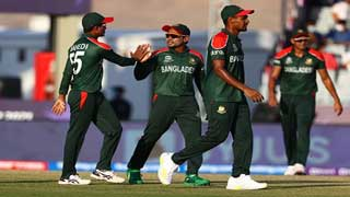Bangladesh crush PNG to reach Super 12's