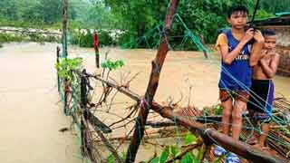 13 lakh affected in north, hill dists