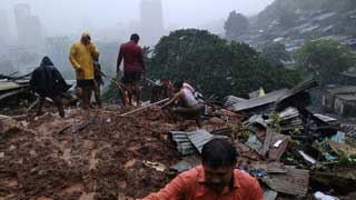 125 dead as heavy rain triggers floods, landslides in India