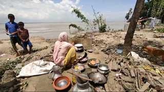 Teesta erosion leaves over 100 families homeless in Kurigram