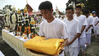 ৯ দিন বৌদ্ধ মন্দিরে থাকবে থাই কিশোর ফুটবলাররা