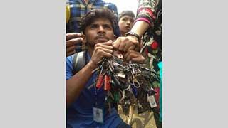 অবরুদ্ধ নারায়ণগঞ্জ, ২ শতাধিক গাড়ির চাবি জব্দ