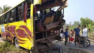 13 hurt as train rams picnic bus in Ctg