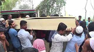 নোয়াখালীতে ১৭ জনের দাফন সম্পন্ন, আরো ৩১ জন নিখোঁজের দাবি
