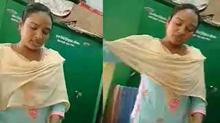 বরিশাল আদালতে সেরেস্তাদার নারীর ঘুষ চাওয়ার ভিডিও ভাইরাল