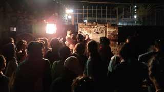 হলের তালা ভেঙে বিক্ষোভে জাবি ছাত্রীরা