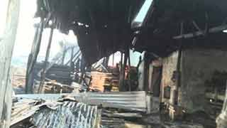 Elderly woman dies in Khulna fire