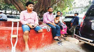 Leg lost to accident: SC upholds order to pay Tk 50 lakh to Russel
