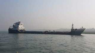 Crack develops on ship in Meghna; cement clinker damaged