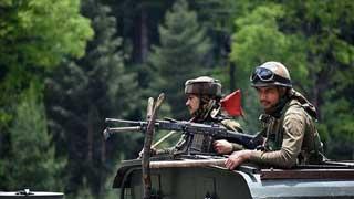 কাশ্মীরে ২৪ ঘণ্টায় ৩ ভারতীয় সেনার আত্মহত্যা
