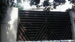 খালেদা জিয়ার বাসভবনের সামনে কড়া নিরাপত্তা