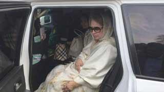 খালেদা জিয়াকে হাসপাতালে নেয়া হচ্ছে