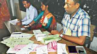 Stuffing, muscle flexing mar KCC election