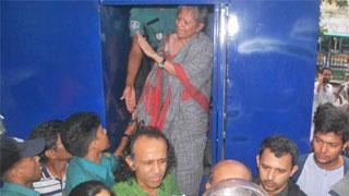 Police arrest Rahnuma, Baki; foil protest of Concerned Citizens