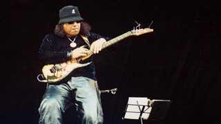 Legendary singer Ayub Bachchu passes away