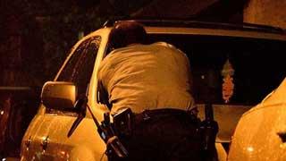 Gunman held after injuring six Philadelphia police