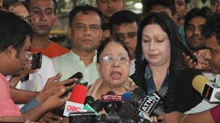 Khaleda Zia's family wants to take her abroad for better treatment