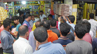 Consumers flock shops for salt on price rumour