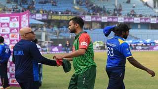 Sri Lanka takes tri-nation series