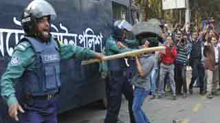 BNP activists snatch fellows from police