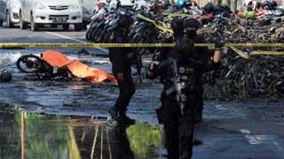 Surabaya attacks: 11 killed in Indonesia church bombings