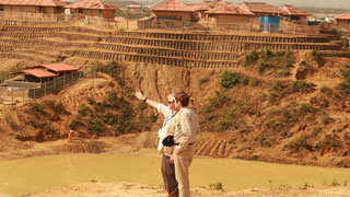 US ambassador Miller visits  Rohingya camps