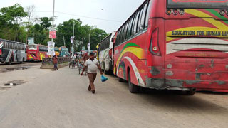 Transport workers paralyse Sylhet in strike