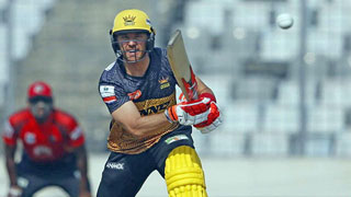 Evans powers his way to BPL's first ton of the season