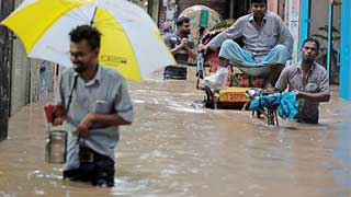 Commuters suffer as heavy rains send city roads under water