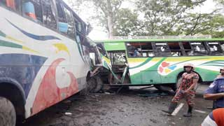 16 killed in road accidents