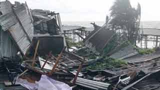5 dead as cyclone Bulbul hits coastal districts