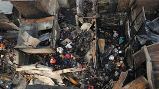25 shops gutted in fire at Khilgaon kitchen market