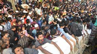 Thousands of people return Dhaka amid pandemic through Mawa Ghat