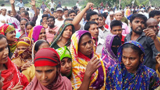 People suffer as jute mill workers block roads, rail in Chattogram and Khulna