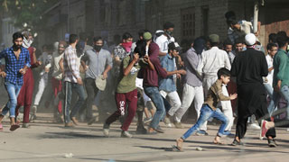 India imposes curfews in Kashmir