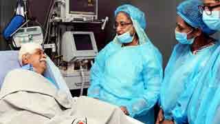Hasina visits Zafar Iqbal at CMH