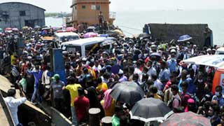 5 die in crowd crush on ferry as home-goers defy Covid curbs