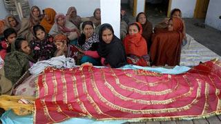পাকিস্তানি গোলায় ৪ ভারতীয় সেনা নিহত