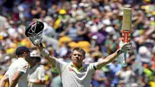David Warner scores century in Boxing Day Ashes Test