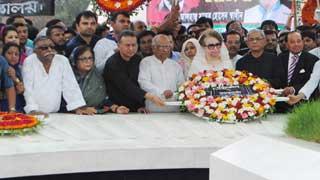 Khaleda Zia pays homage to Zia on birth anniversary