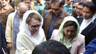 কোকোর মৃত্যুবার্ষিকীতেও আদালতে খালেদা জিয়া