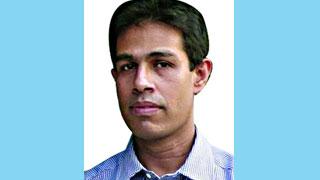সাংবাদিক মনির হায়দারের পাসপোর্ট নবায়ন কেন নয় : হাইকোর্ট