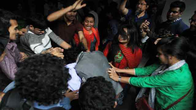 40 injured as BCL attacks DU protesters