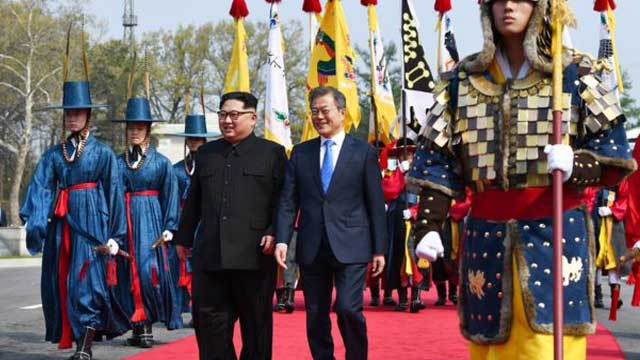Kim Jong-un crosses into South Korea