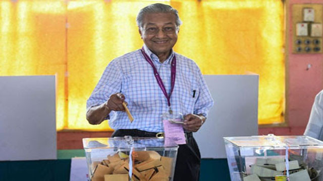 Mahathir claims victory in Malaysia polls